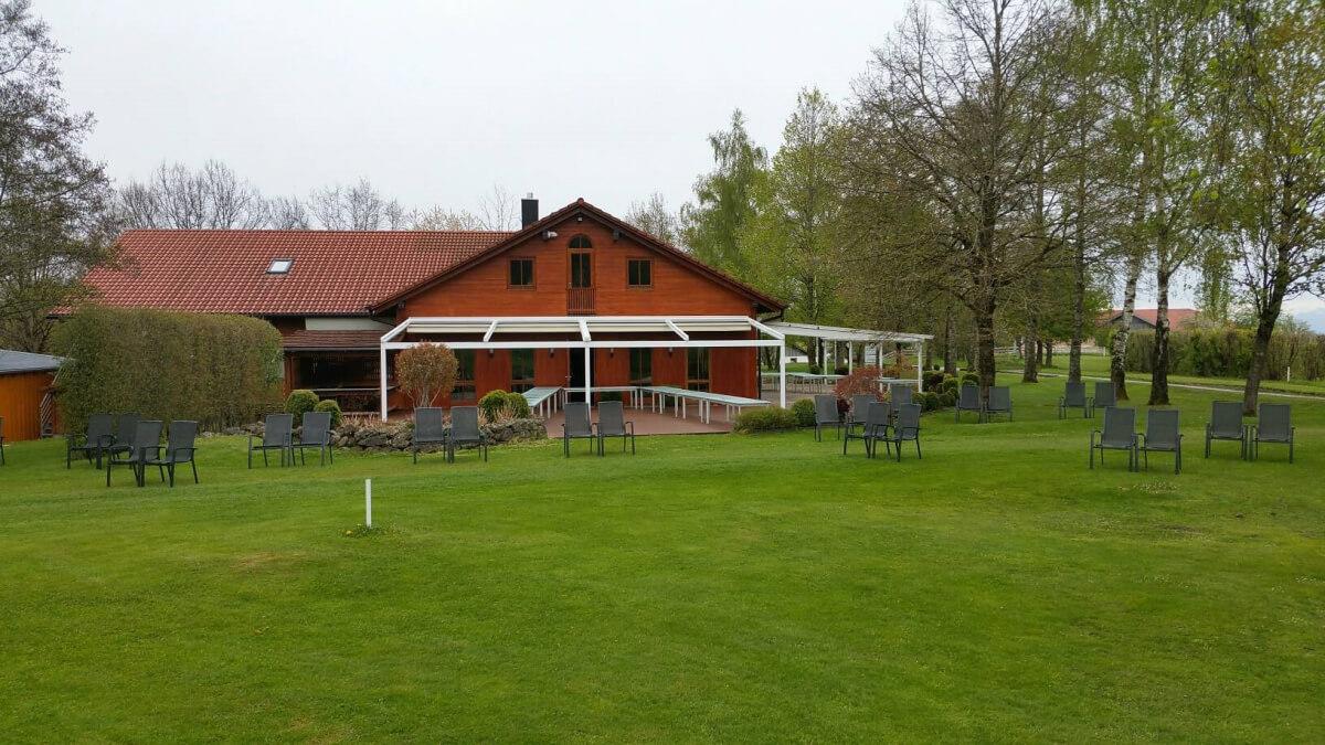 Clubhaus1